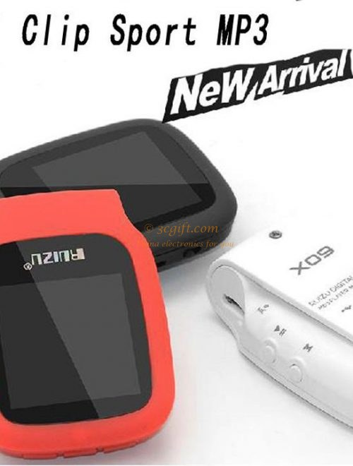 Mini clip sport MP3 player with 4GB storage and 1.5 inch screen